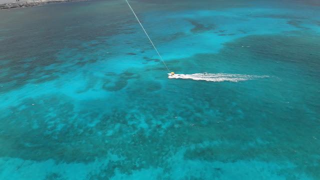 voo de Parasail em Cancun