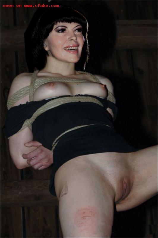 Mireille Mathieu Nude