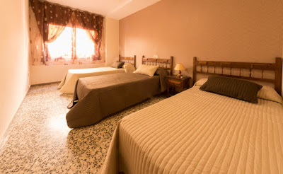 habitacion triple hostal alcorisa