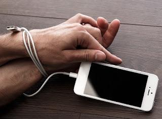 Bahaya! Tanda Kamu Kecandunan Smartphone