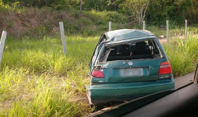 http://vnoticia.com.br/noticia/2303-motociclista-sai-ferido-em-acidente-na-br-101-ao-colidir-com-carro-de-passeio