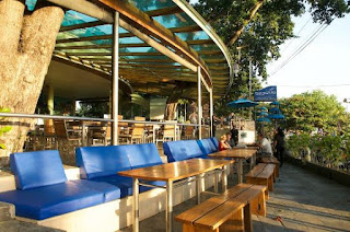 Job Vacancies: Waiter and Waitress at Seaside Restaurant Bali
