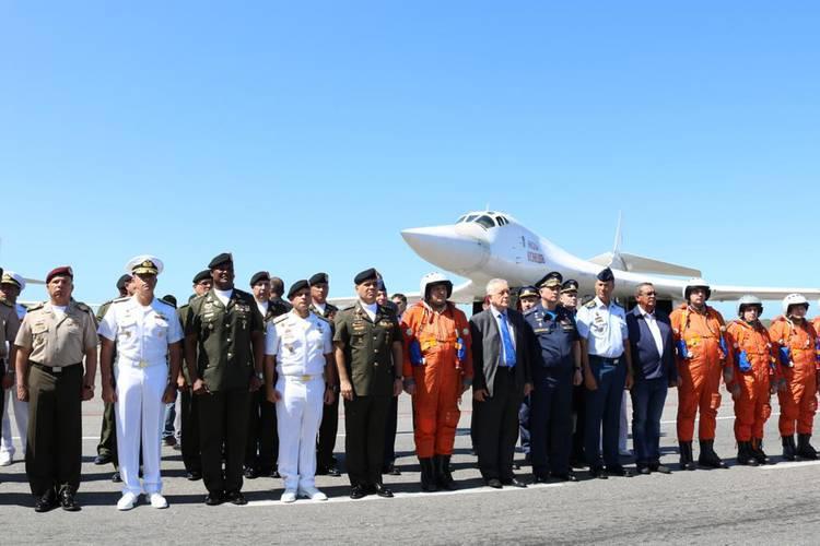 Venezuela y Rusia fortalecen cooperación militar con vuelos