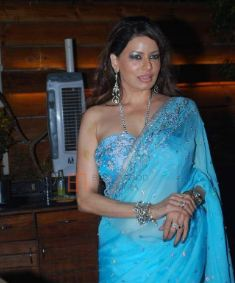 Poonam Jhawer Family Husband Son Daughter Father Mother Marriage Photos Biography Profile.