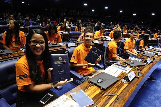 Programa Jovem Senador mobiliza estudantes de escolas de Ensino Médio do RN
