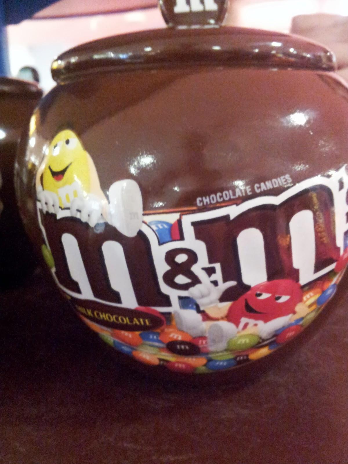 Oh Yummy Chocolate: M & M World Store, London