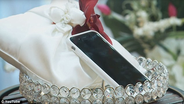 man marries apple iphone nevada