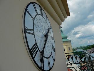 Жовква. Ратуша. Баштовий годинник