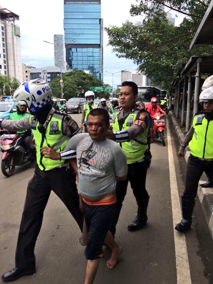 Waduh, Todongkan Pisau ke Polantas, Pria Ini Minta Polisi Bertobat