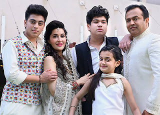 Shaista Lodhi With New Partner Adnan Lodhi And Her Kids From First Husband.