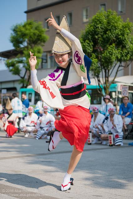 高円寺駅北口広場、江戸っ子連の舞台踊り 3