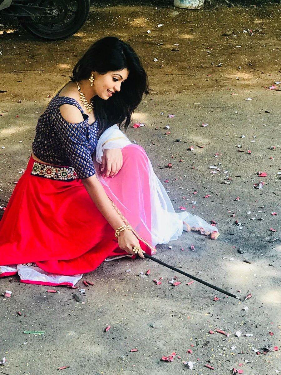 Actress AthulyaRavi Latest HD Images