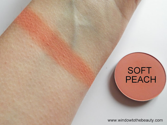 Melkior matte eyeshadow Soft Peach swatches