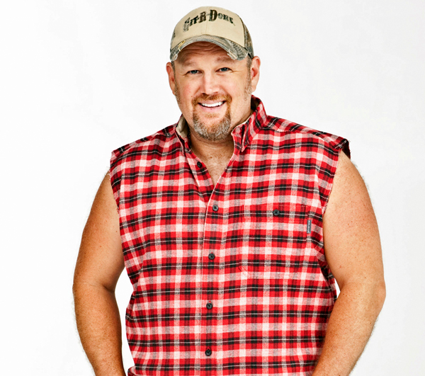 7ee89a1d55e The male, white suspect is described as looking very similar to Larry The  Cable Guy. He is heavy set, 30-40 years old, 6-feet tall, with reddish  hair, ...