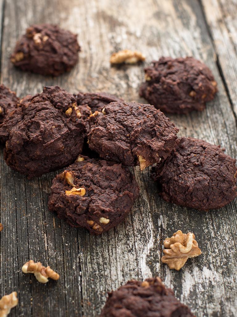 """Ciasteczka brownie """"śliwka w czekoladzie"""" weganskie, bezglutenowe, bez cukru roślinny blog kulinarny"""