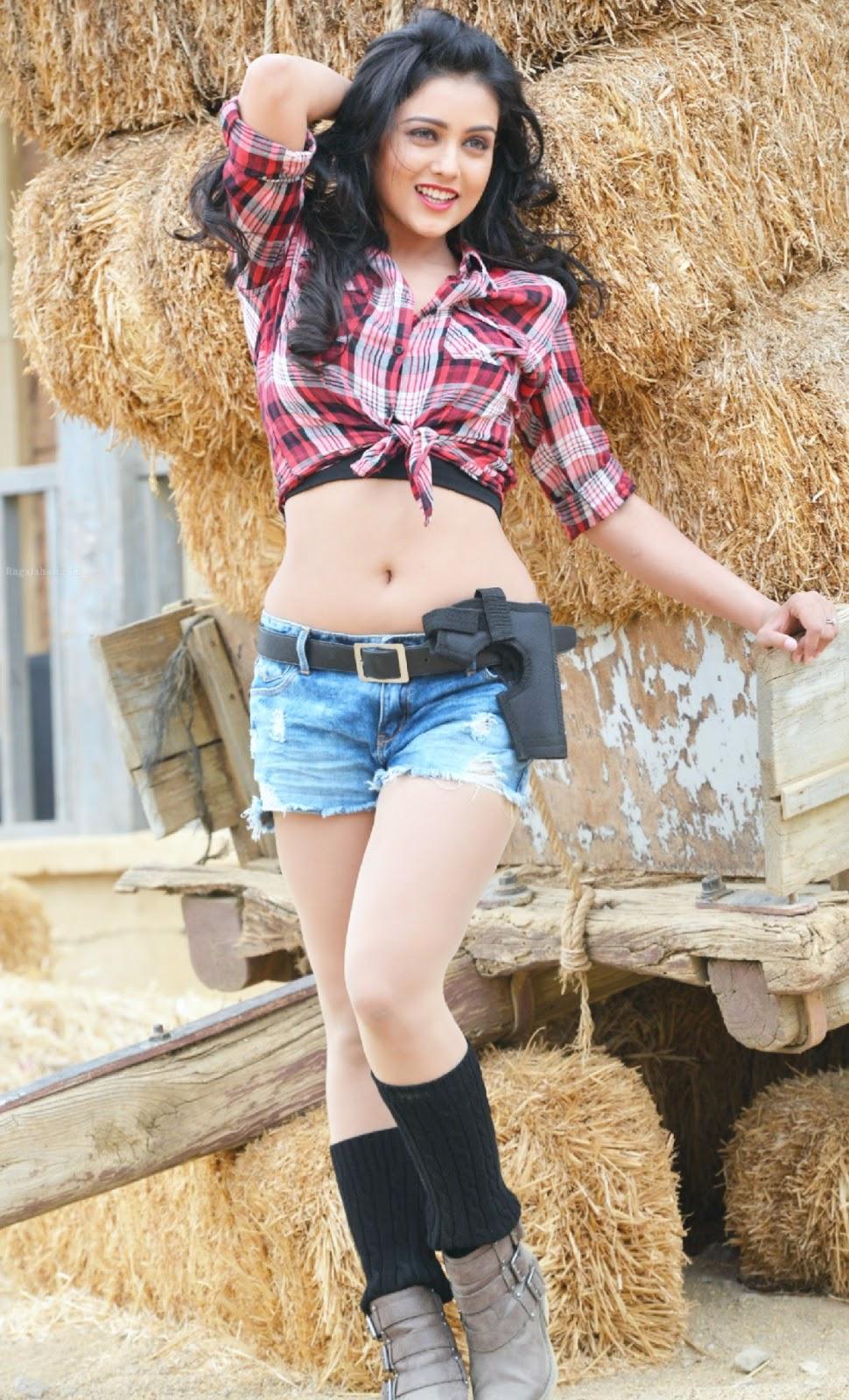 Hot South actress Siya latest Photoshoot