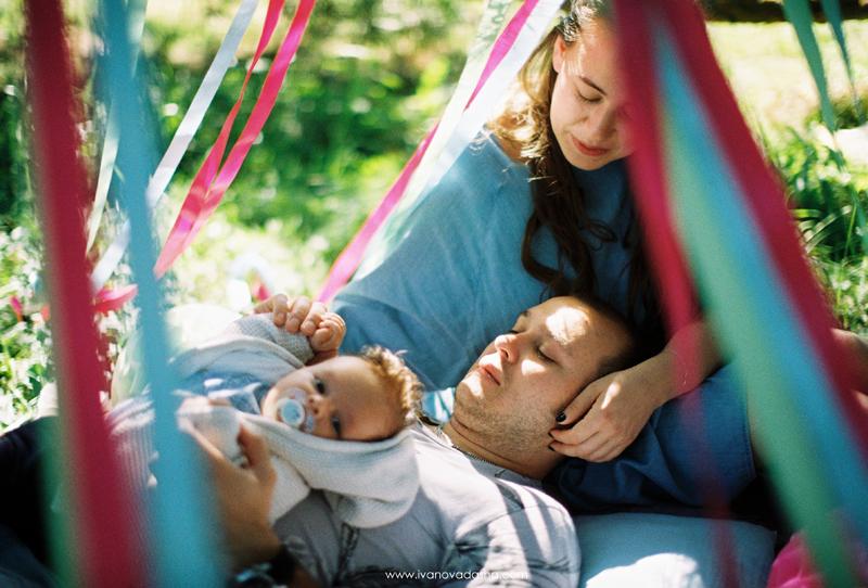 свадебная фотосъемка,свадьба в калуге,фотограф,свадебная фотосъемка в москве,фотограф даша иванова,семейная фотосъемка,семейная фотосъемка в москве,фотограф москва,тематическая семейная фотосъемка,идеи для семейной фотосъемки,семейная съемка с подсолнухами,фотосессия с подсолнухами,фотосъемка в парке,фотосессия беременности,фотосъемка с шариками,фотосъемка с воздушными шариками,fne art,пленочные фотографии,фотосессия на пленку,стиль fine art,фотосессия в стиле fine art,летняя фотосессия,оформление летней фотосессии,оформление семейной фотосессии в голубых и розовых цветах,пикник на природе,семейный пикник,детская фотосъемка,детская летняя фотосессия,летний пикник на природе,оформление летнего пикника
