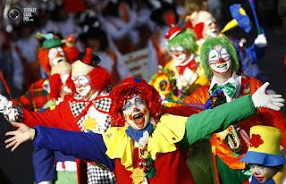 истории про страшных клоунов http://prazdnichnymir.ru/герои, злодеи, кино, киногерои, клоуны, мистика, монстры, нечисть, самые ужасные, триллеры, ужасы, фантастика, фильмы ужасов, цирк, клоуны злодеи, клоуны маньяки, маньяки в кино, про клоунов, про ужасы, про цирк, клоуны страшные, клоуны убийцы, циркачи, цирк страшный, фильмы ужасов, страх, боязнь клоунов, фобия, коулрофобия, coulrophobia, Праздничный мир, страшилки,