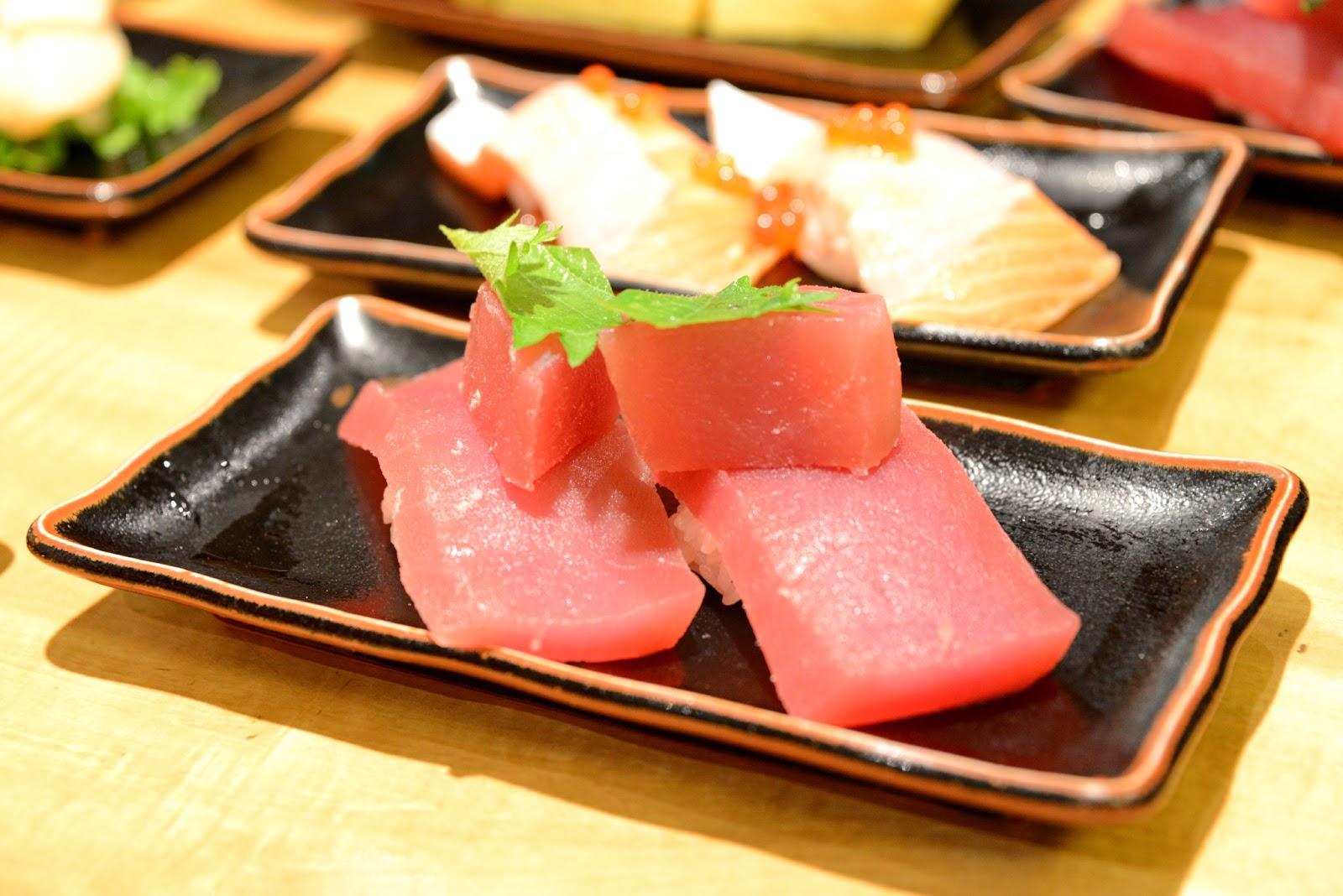 多多咪與拉拉喵: 京都 魚心 河原町店 這壽司也太大塊了吧!