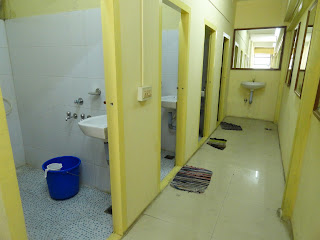 dormitory with hygenic bathrooms and toliets, hygenic dormitory in munnar