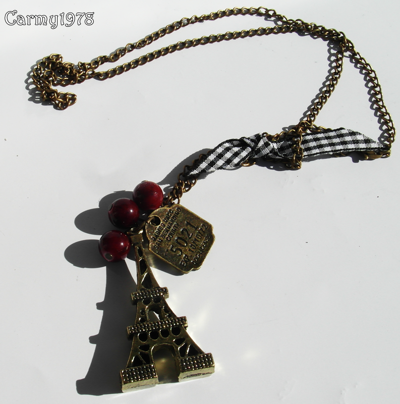 necklace-with-tour-eiffel