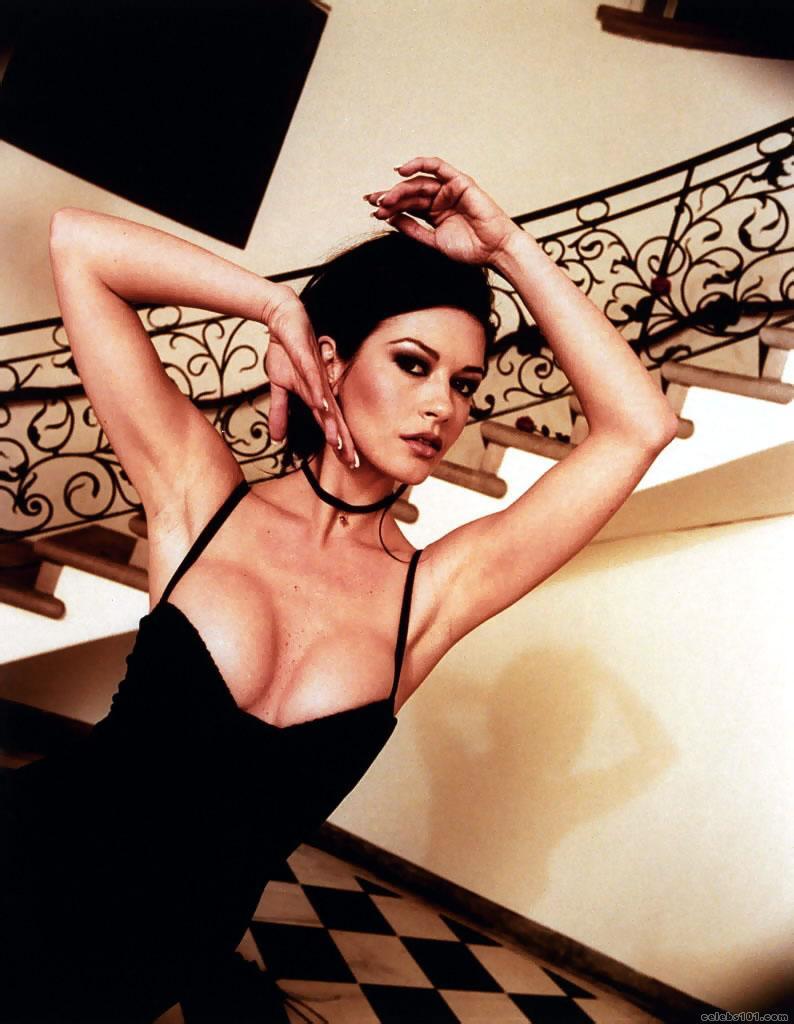 The lovely sexy Catherine Zeta-Jones!