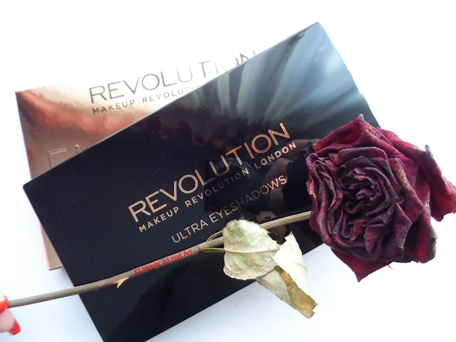 https://www.notino.es/makeup-revolution/flawless-paleta-de-sombras-de-ojos/