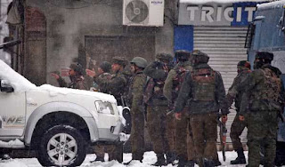 srinagar-encounter-crpf-constable-martyred-militants-holed-up-in-building
