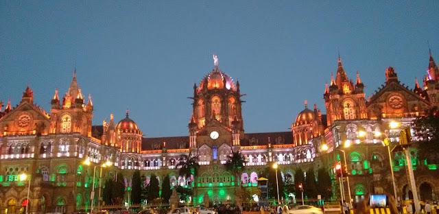 Chhatarpati Shivaji Terminus, track train