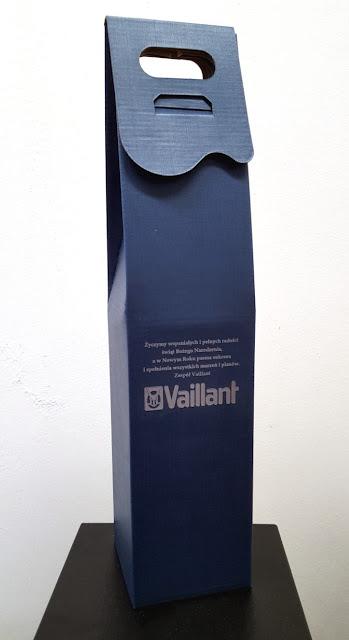 kartonik kaszerowany z logo