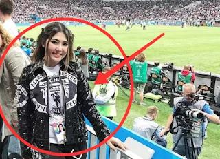 Nonton Piala Dunia Di Rusia, Jaket Via Vallen Jadi Sorotan