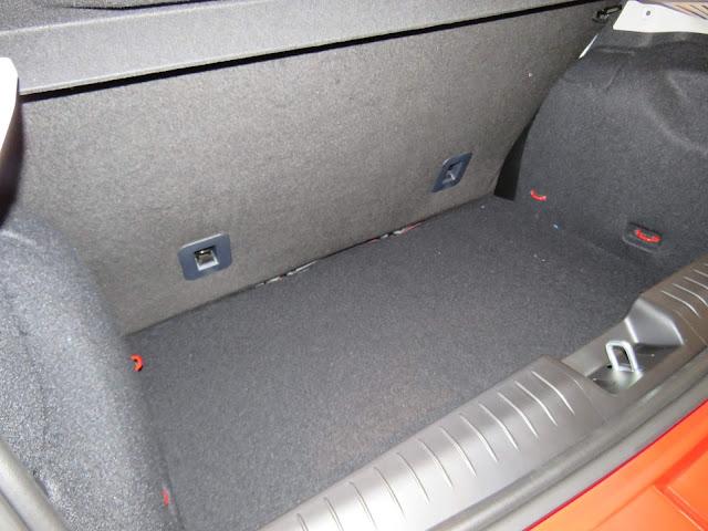 Fiat Argo - porta-malas de 300 litros