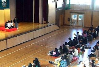 三遊亭楽春の親子で一緒に楽しむ落語会が開催されました。