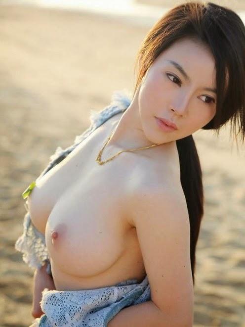 cewe amoy bening putih mulus di pantai kumpulan gambar