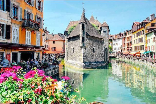 Bate e volta de Lyon a Annecy