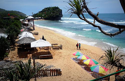 Epic travelers - Indrayanti Beach