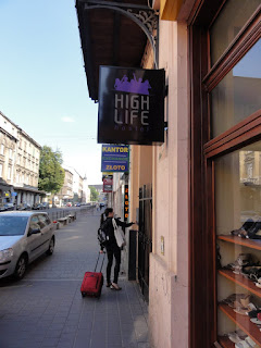 Found our hostel in Kraków! (Photo courtesy of Alvin C.)