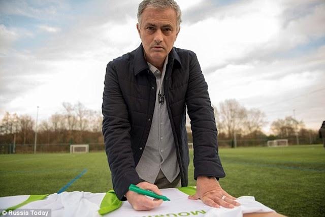 Mourinho ráo riết lên phương án thay thế Ibrahimovic