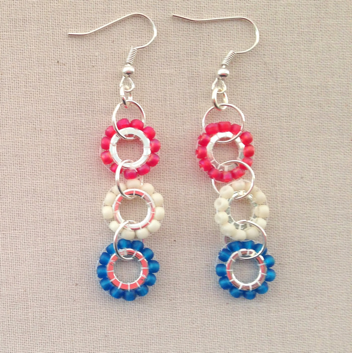 Brick stitch beaded wheels - in New England Patriots colors