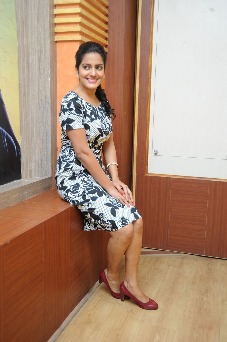 Actress VishakaSingh Latest HD Photos