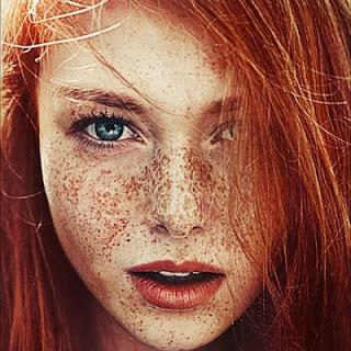 kızıl kadın