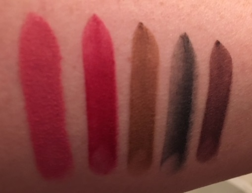 I Am The Makeup Junkie Review Maybelline Color Sensational Powder Matte Lipstick Maybelline Colorsensational Powdermatte Lipstick