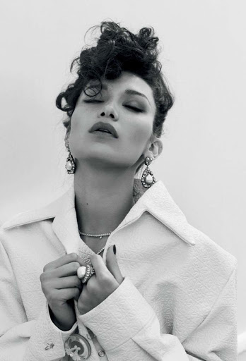 bella hadid sexy models photo shoot vogue magazine turkey