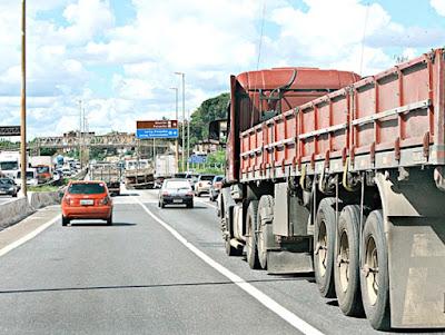 CNA protocola no STF pedido de suspensão de multas relativas a fretes