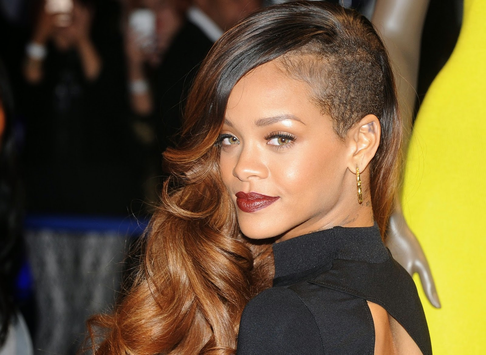 Pleasing Rihanna39S Gorgeous Hairstyles Short Hairstyles For Black Women Fulllsitofus