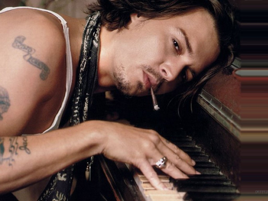 COOL IMAGES: Johnny Depp Wallpaper