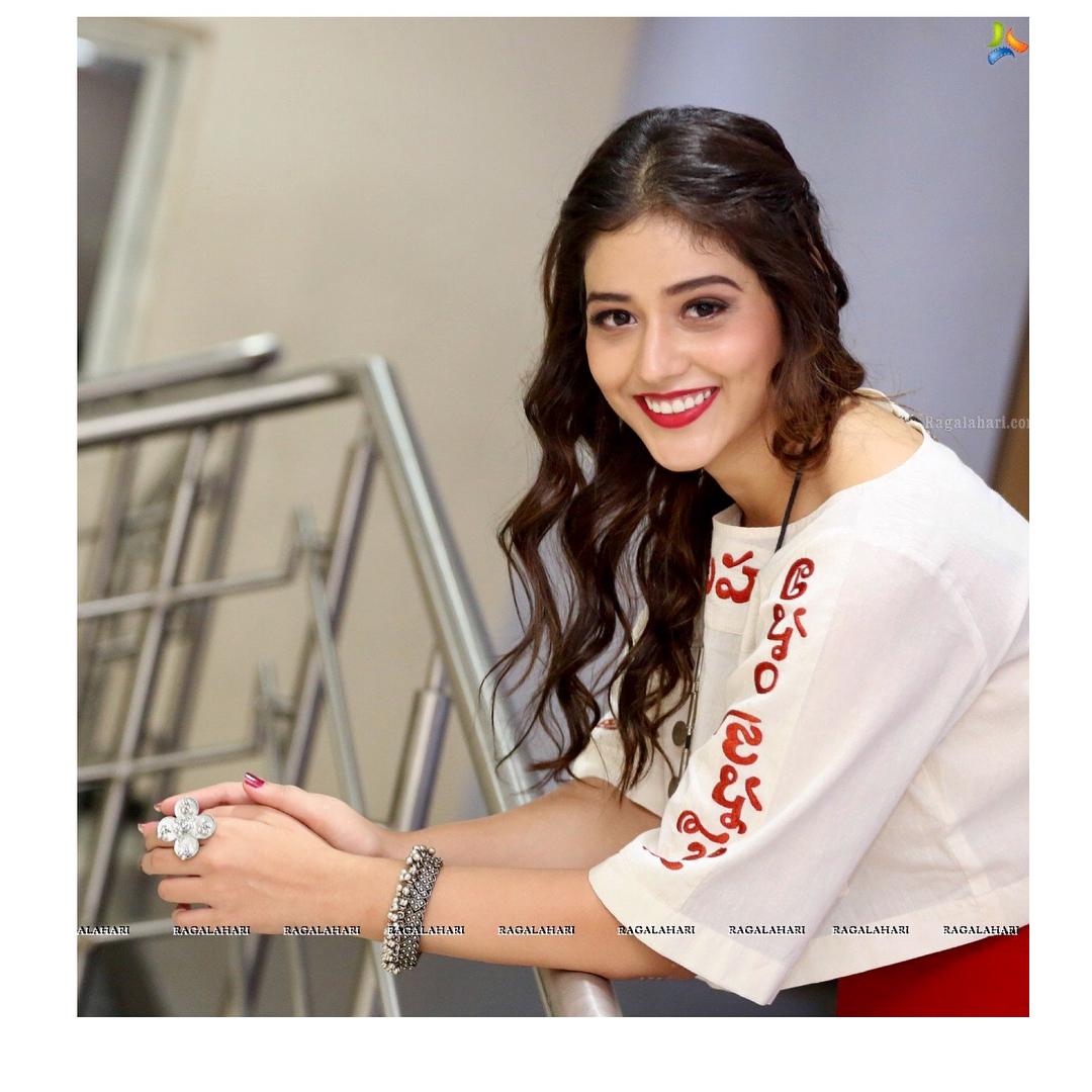 Taxiwala Movie Actress Priyanka Jawalkar HD Photos 2018 NOV