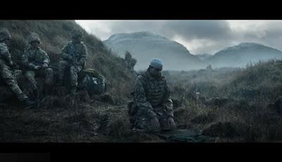 Tentara Inggris shalat di medan pertempuran