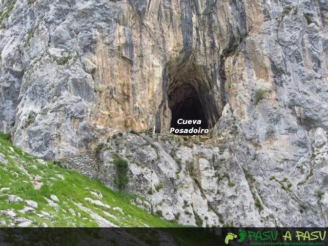 Cueva Posadoiro en la Canal de Culiembro