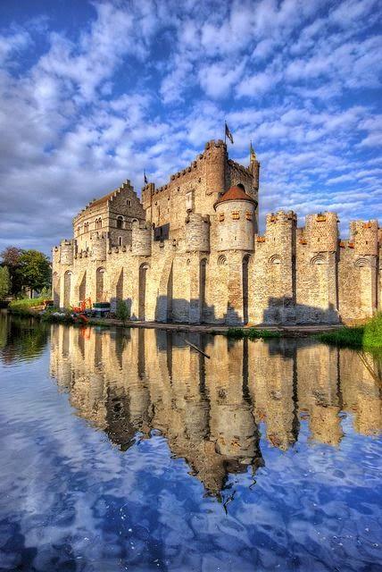 10 Best Places to Holiday in Belgium (100+ Photos) | Gravensteen Castle ~ Ghent, Belgium